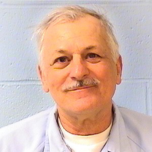 Current IDOC photo of Tom Henry